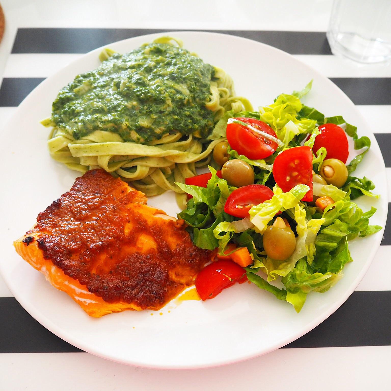 Laks Aftensmad Fisk Ovnbagt Spinat Sovs Frisk Pasta Salat Opskrift Blog Omega 3