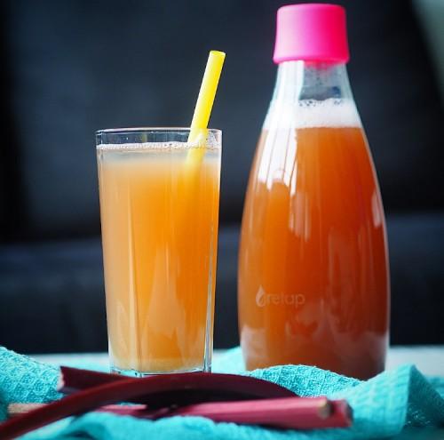 Hjemmelavet Rabarbersaft Rabarber Saft Sommerdrik Drik Opskrift Opskrifter Uden Sukker Sukkerfri