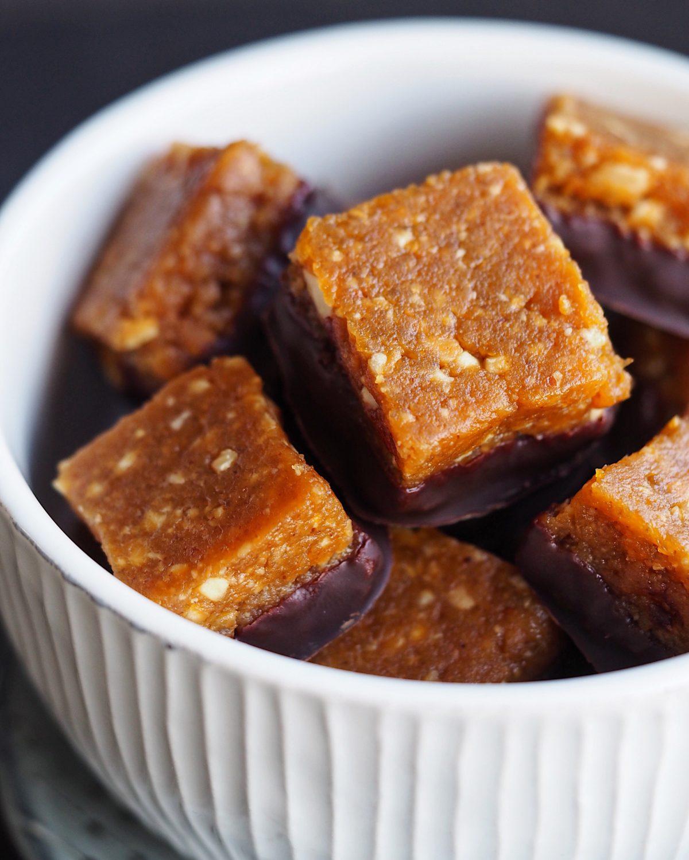 Abrikos og peanutbutter snack cubes
