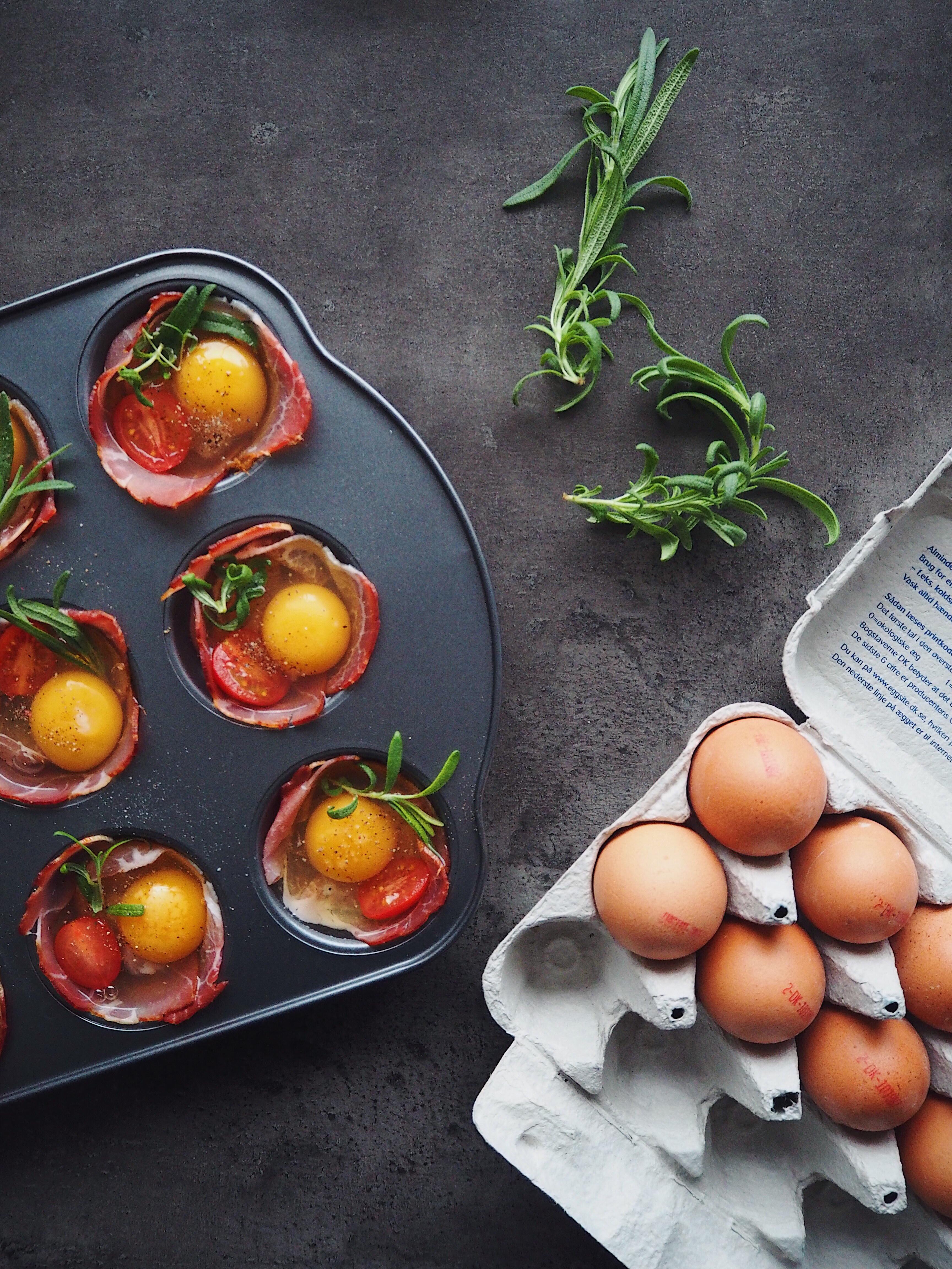 Simple æggemuffins Med Serranoskinke Og Frisk Rosmarin Sundheds Og