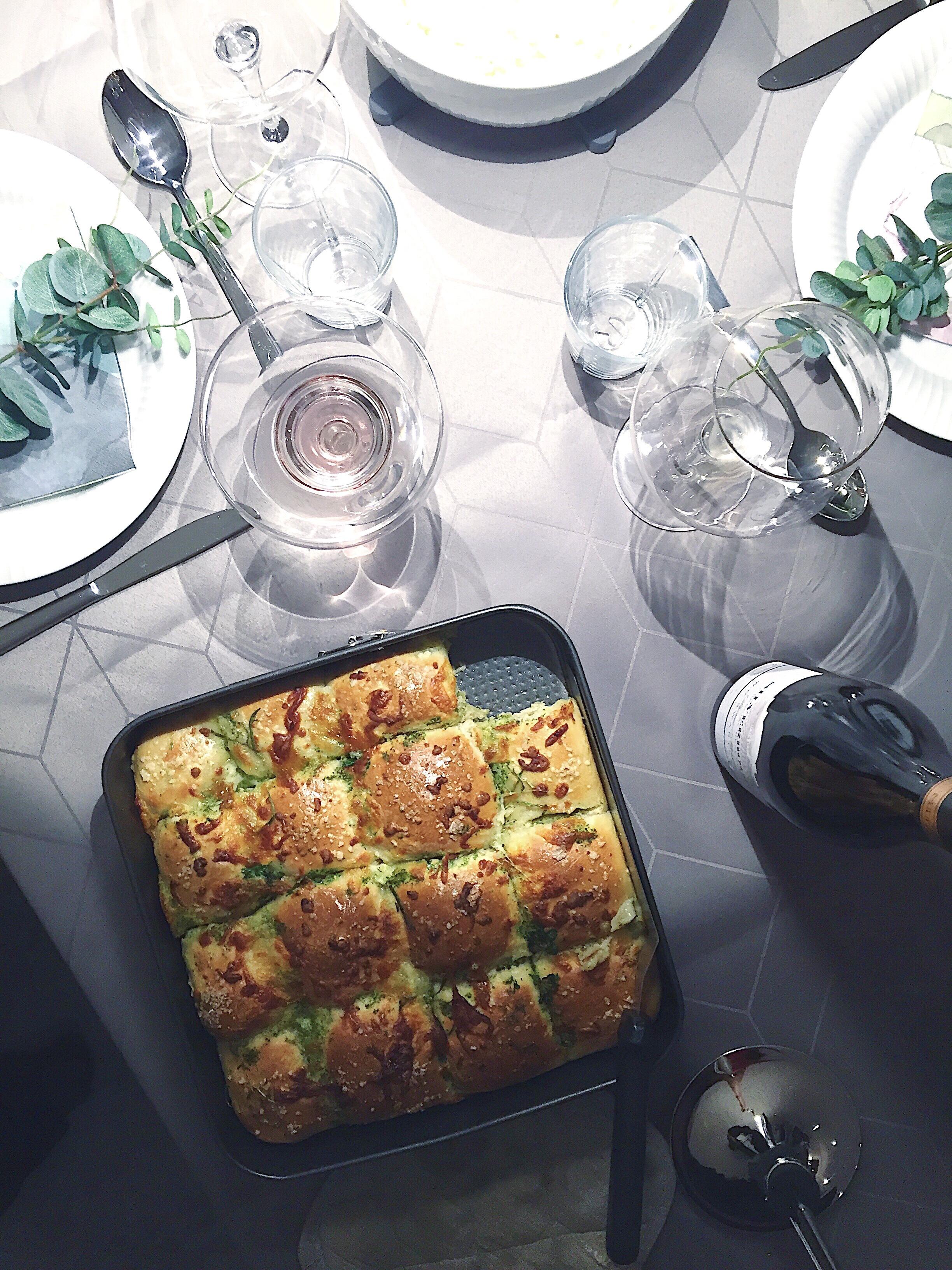 Pull apart brød med persille, hvidløg og mozzarella