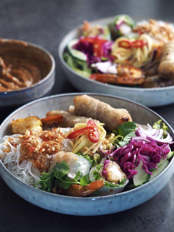 Peanutbutter dip Peanutbutter sauce Asiatisk mad Tilbehør Madblog Mad Blogger Blog Madblogger Mia Lindholm Mad Inspiration Thai mad Forårsruller Friske Ruller Risruller Nudelsalat