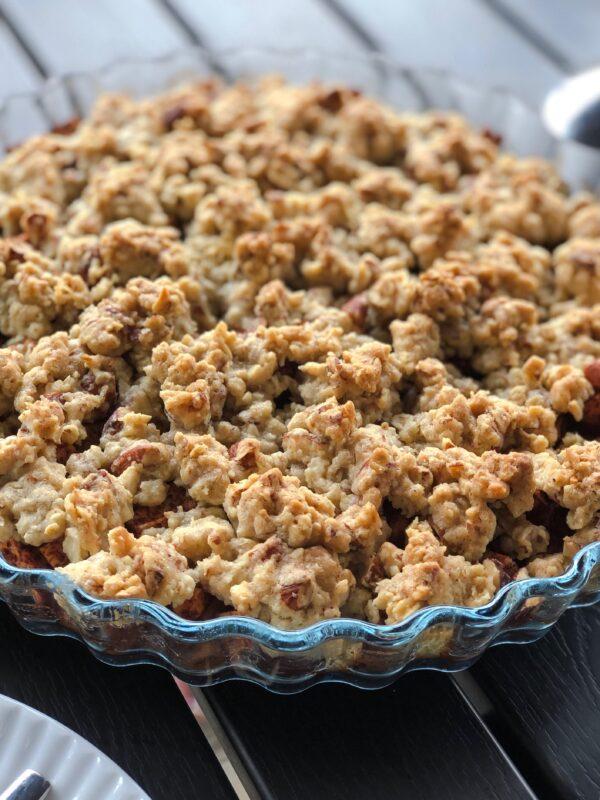 bagte æbler med sprød crumble