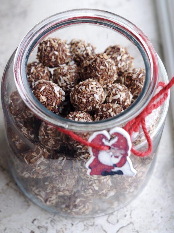 Kokoskugler med ristet kokos
