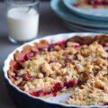 Lækker blommetærte på mørdej med crumble og vanilje crreme fraiche