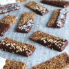 Sukkerfrie müslibarer med chokoladeovertræk