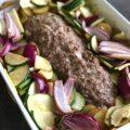 Farsbrød med kartofler og grøntsager, feta og tomater
